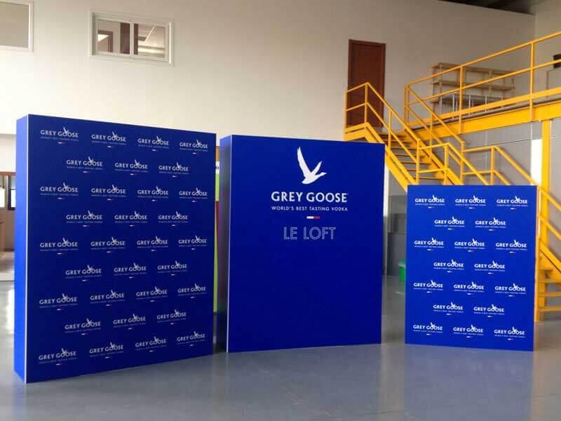 Decor-Grafica-Greey-Goose-Pareti-Mobili-Teatro-Nuovo-Torino